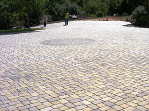 Large block paved drivew
